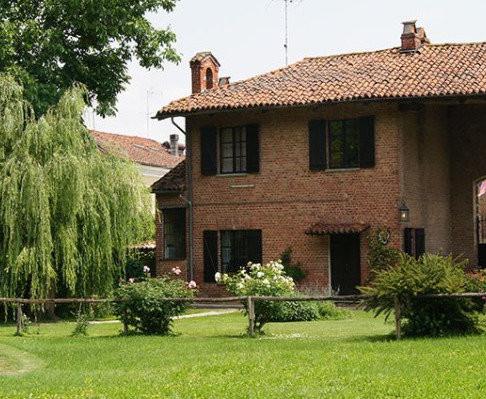 exterior Cottage.jpg