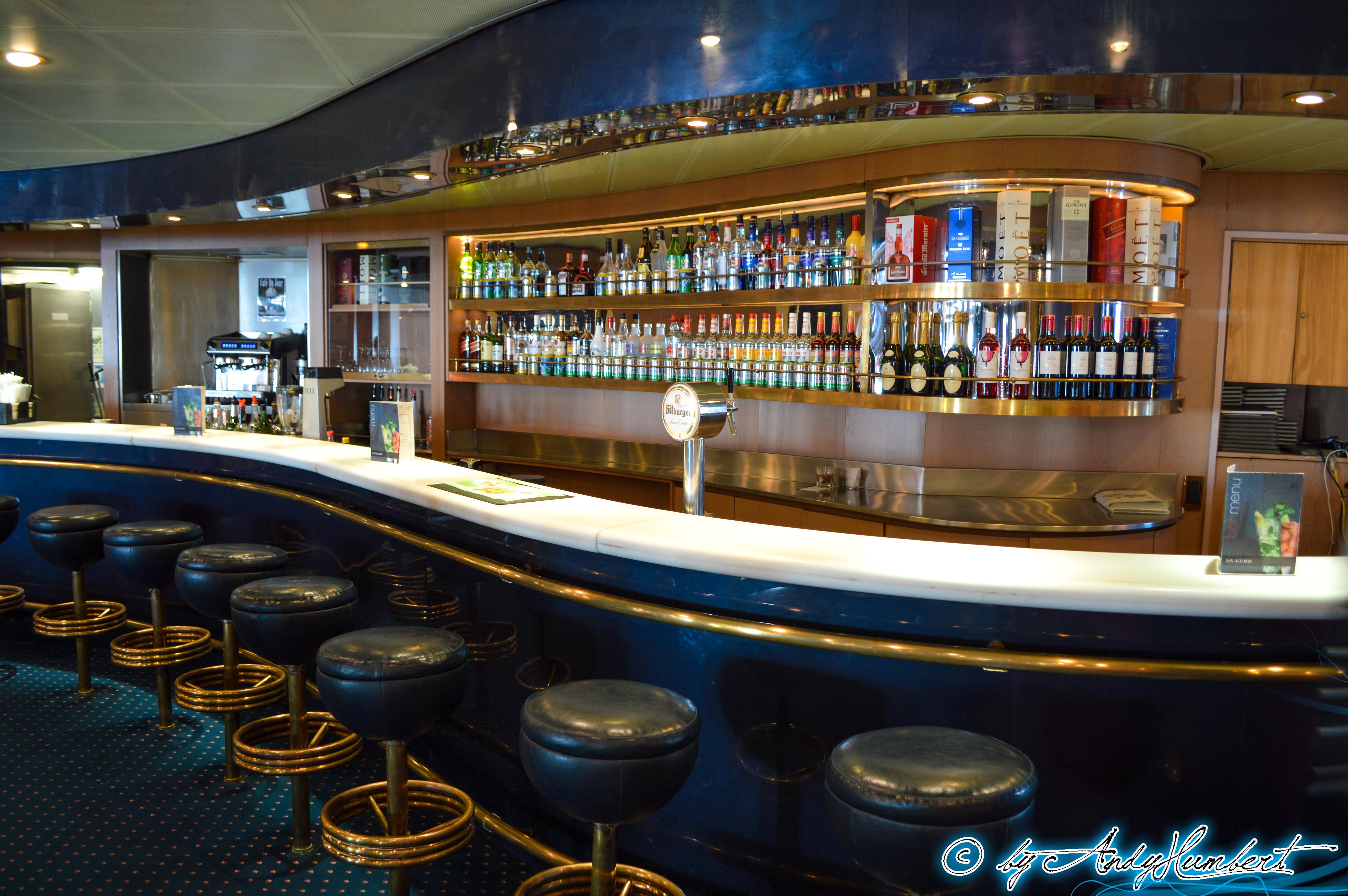 Bar Sirenes (pont 4B Calypso)