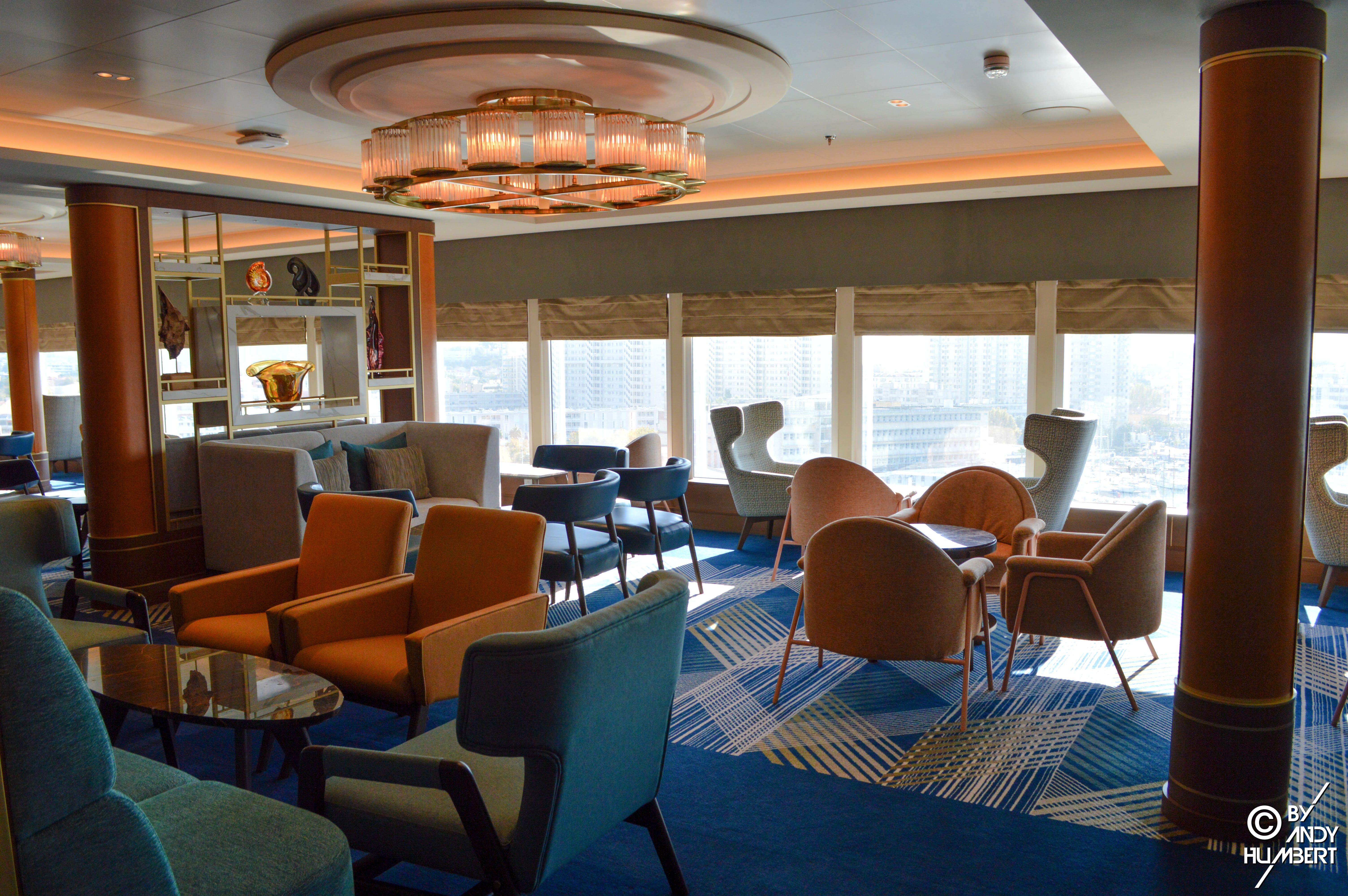 Britannia Lounge (Lido Deck)