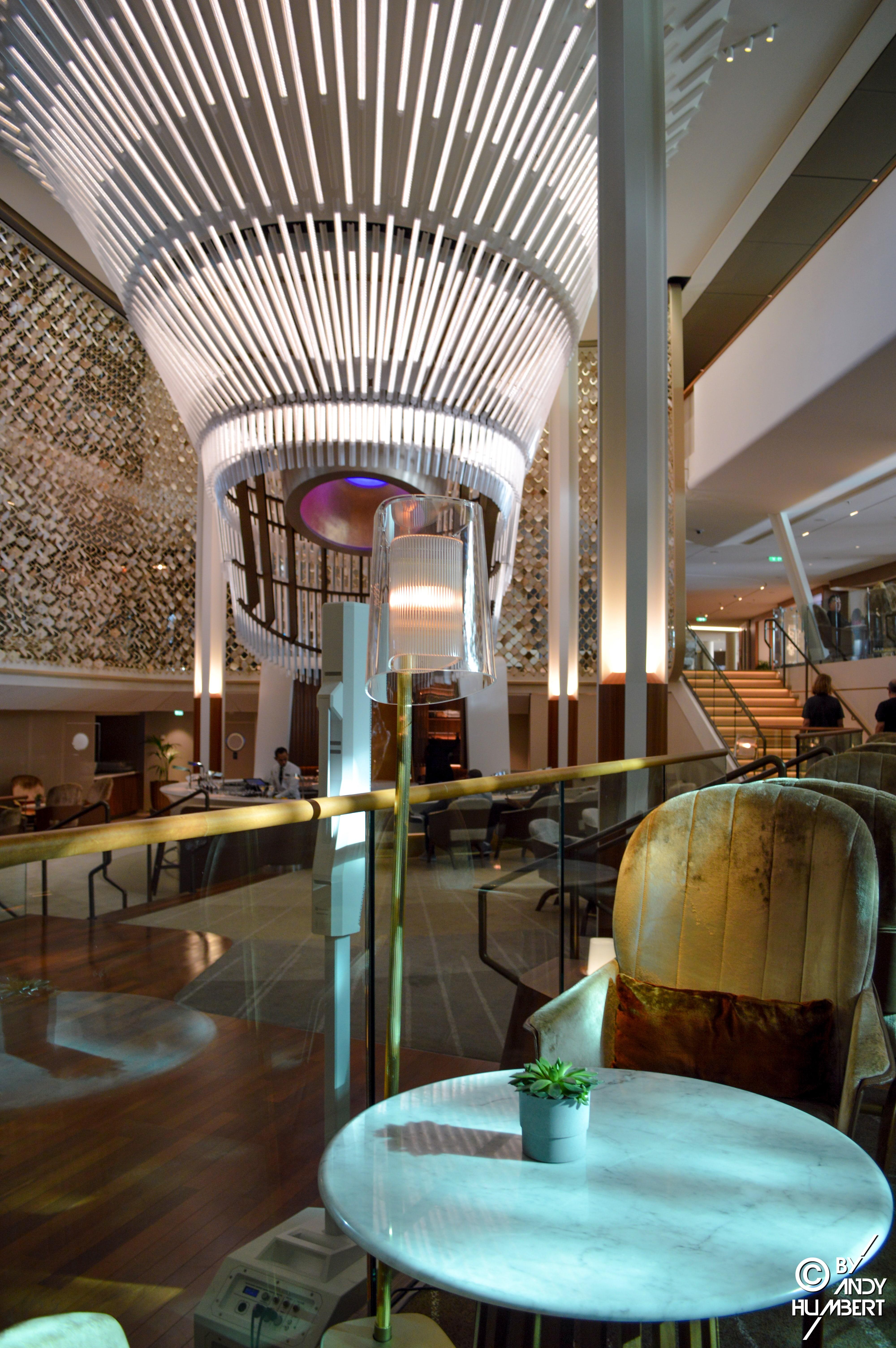 Grand Plaza Café (pont 3)