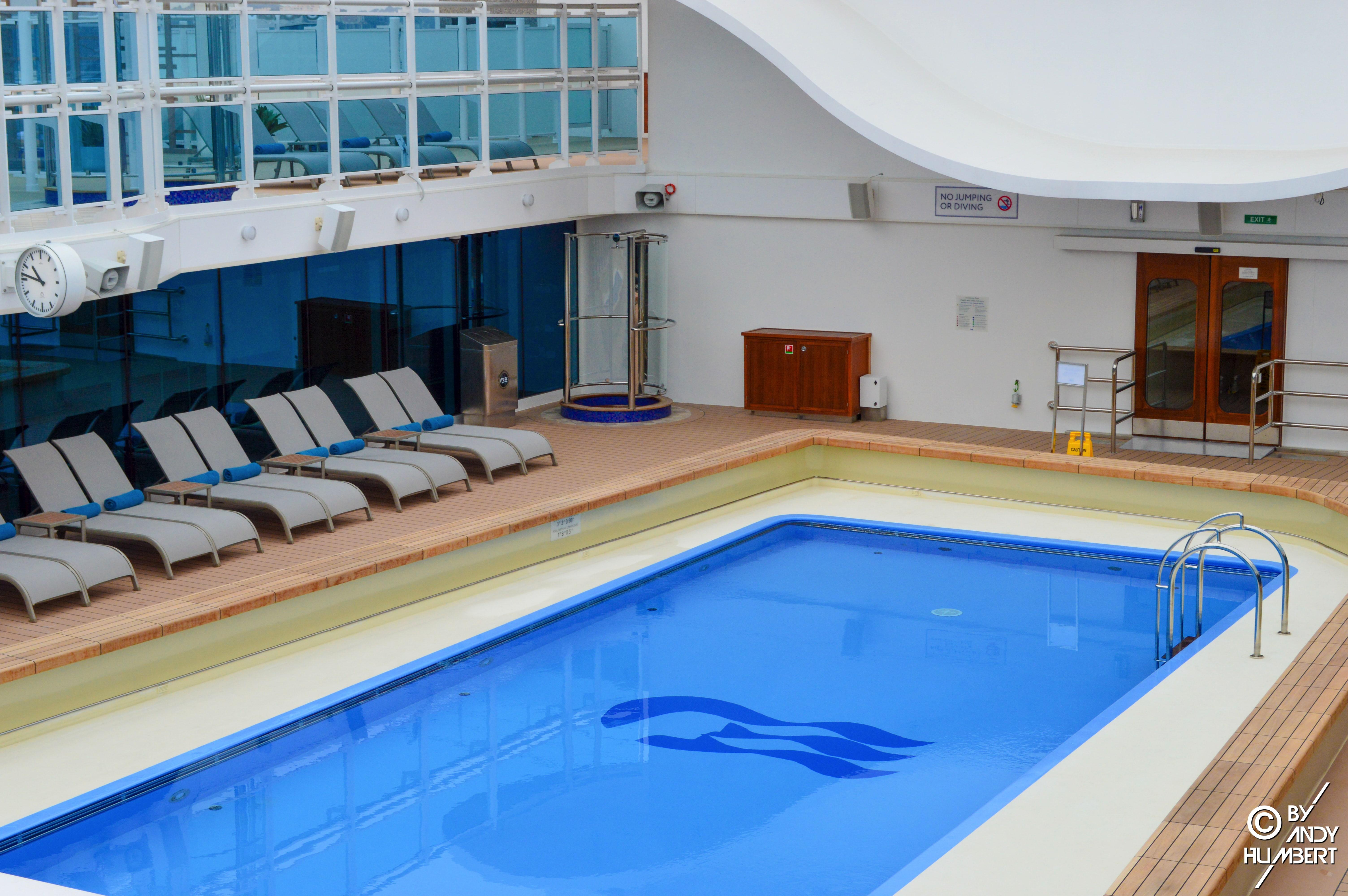 Retreat Pool (pont 17 Sun)