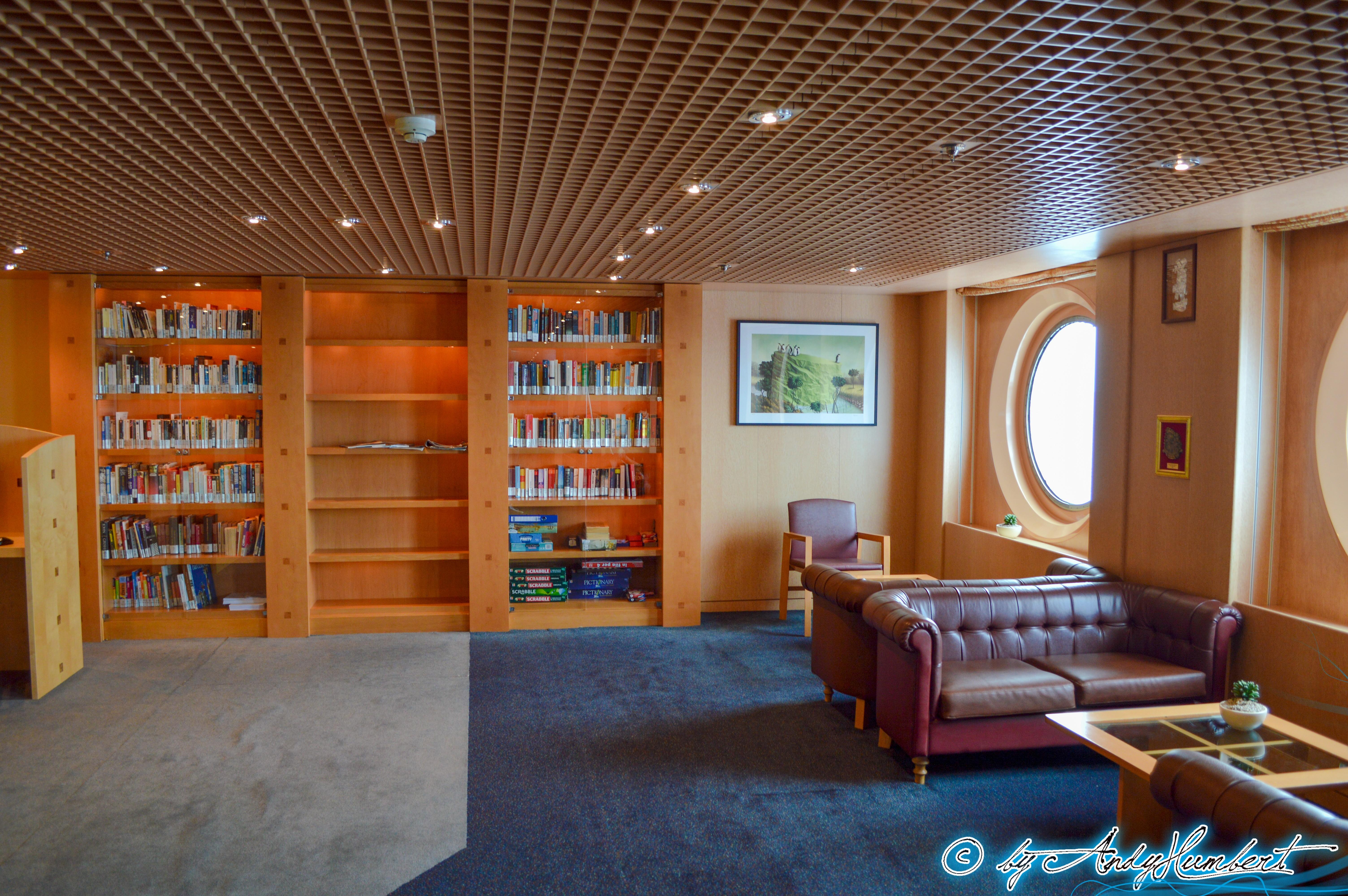 Bibliothèque Conca dei Marinari (p5)