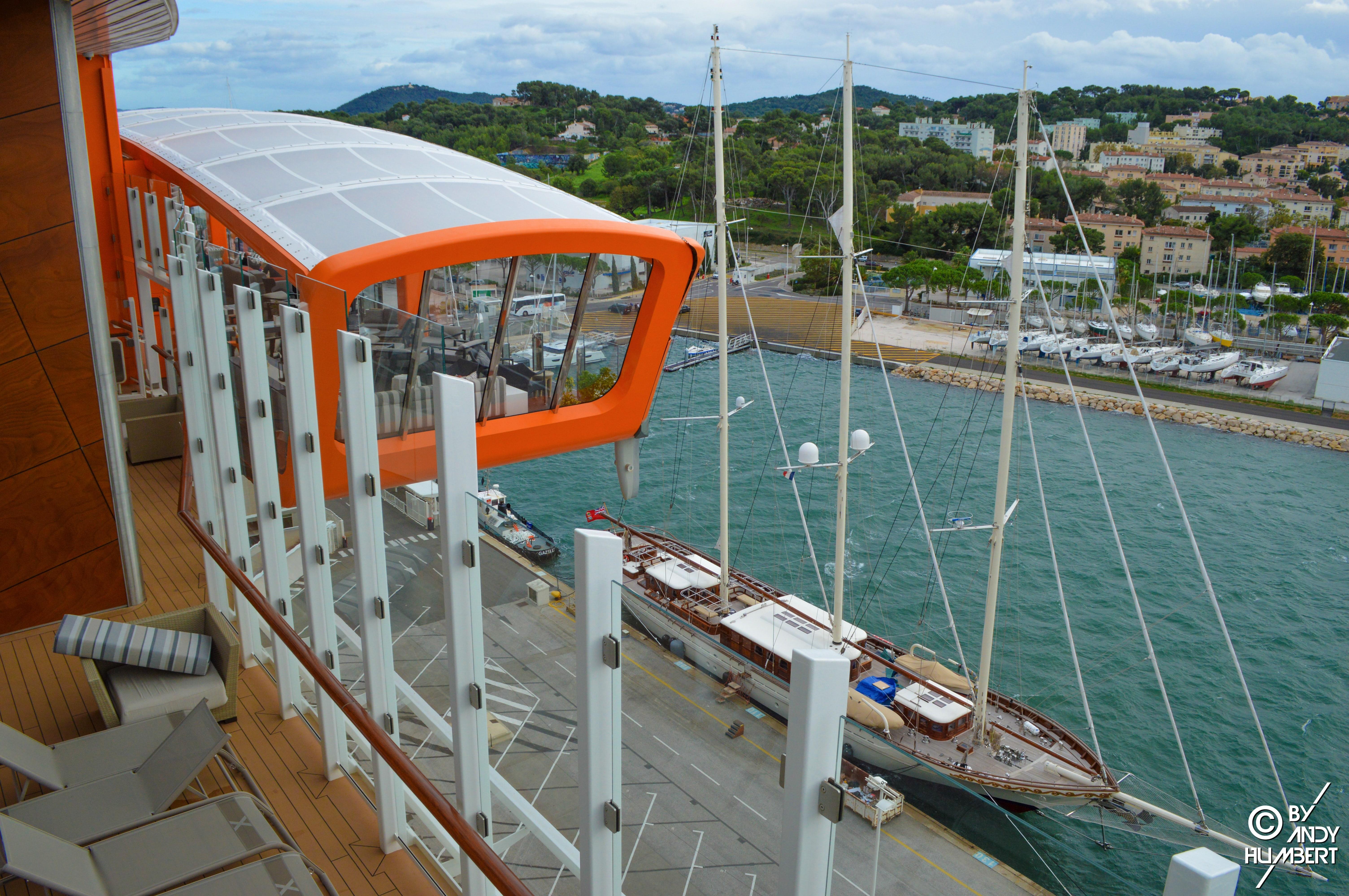 EDGE Cabanas (pont 14)