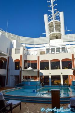 Courtyard Pool & Spa (pont 16)