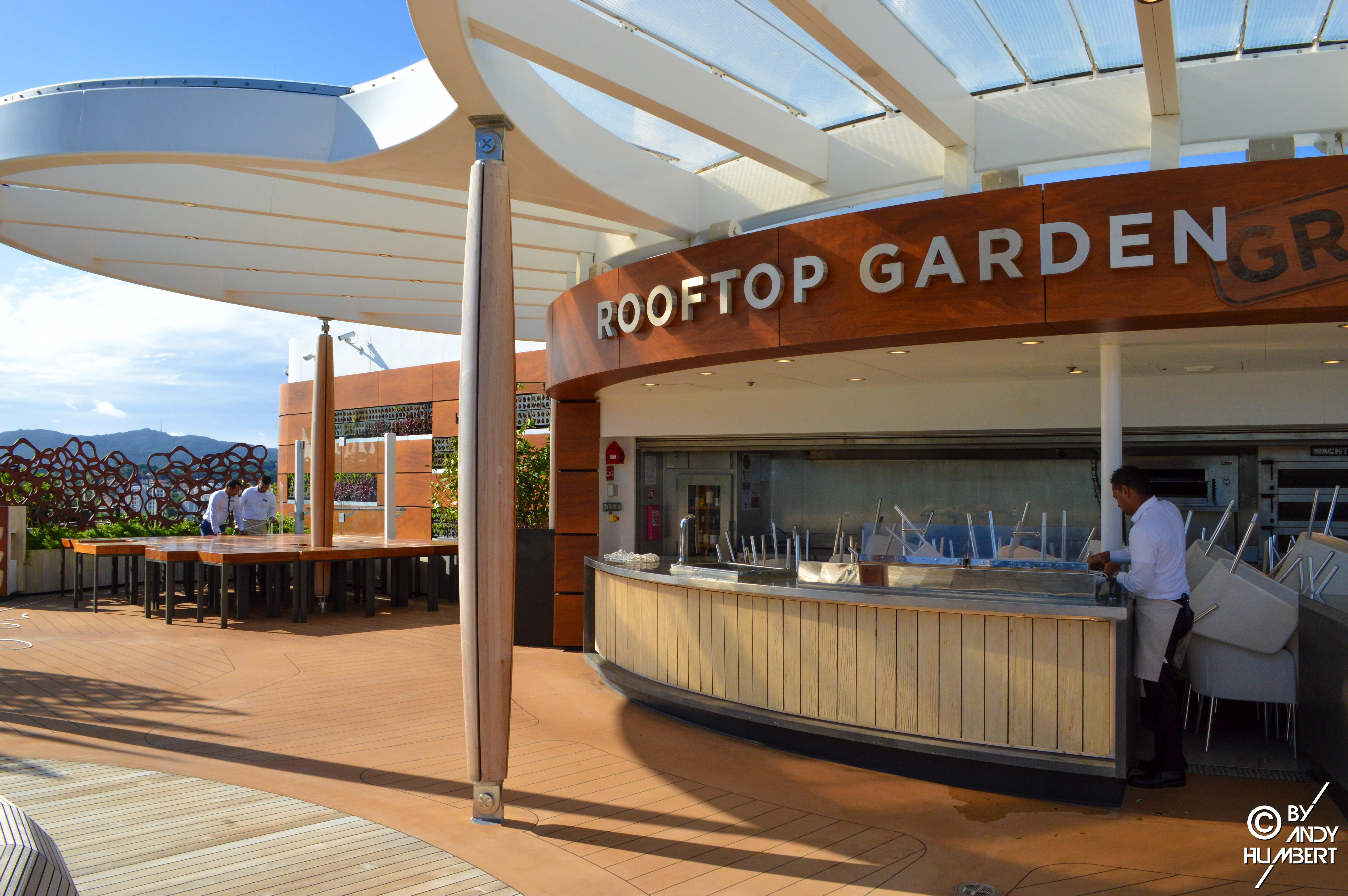 Rooftop Garden Grill (pont 15)