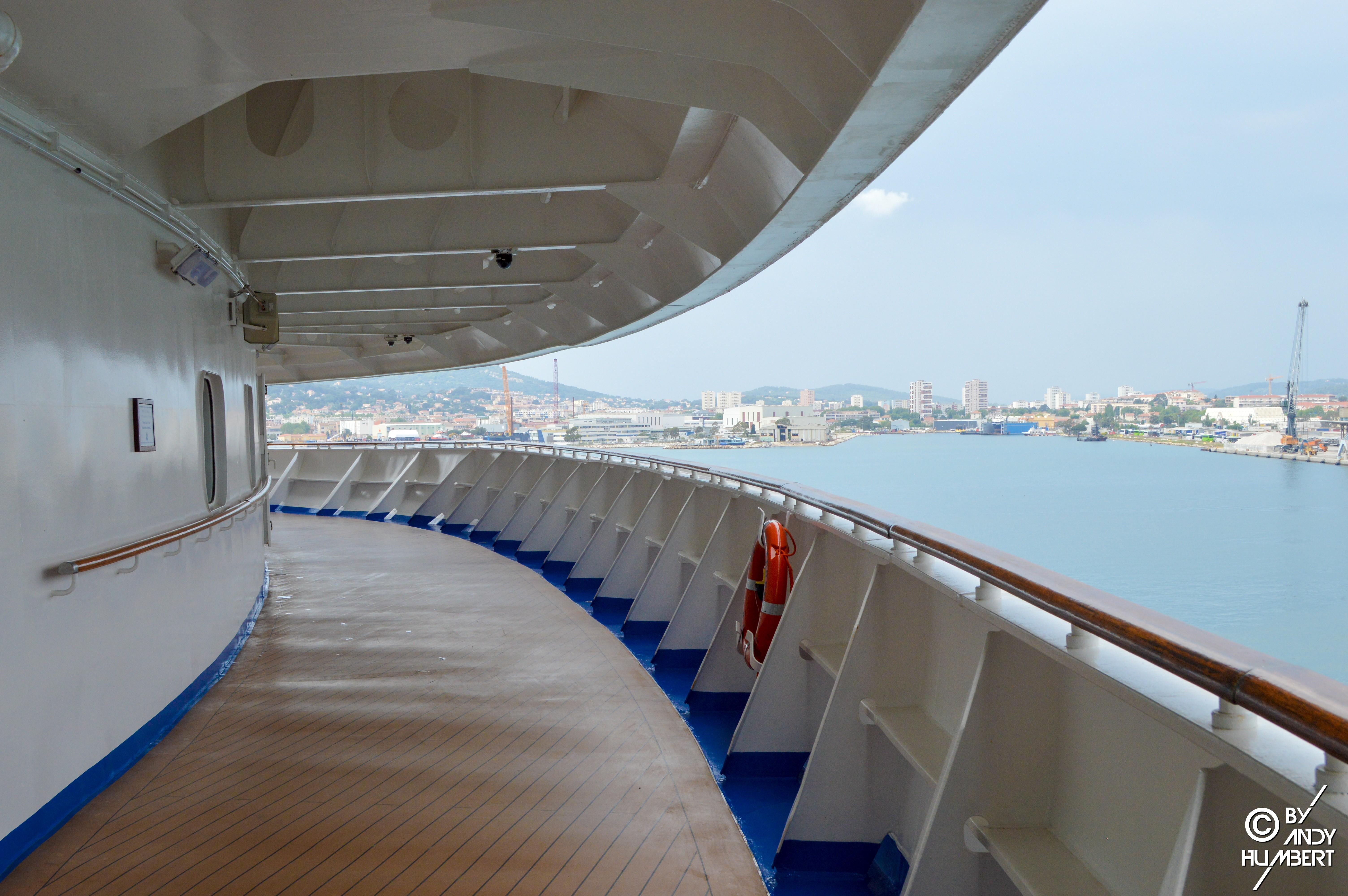 Promenade Deck (ponts 7 & 8)