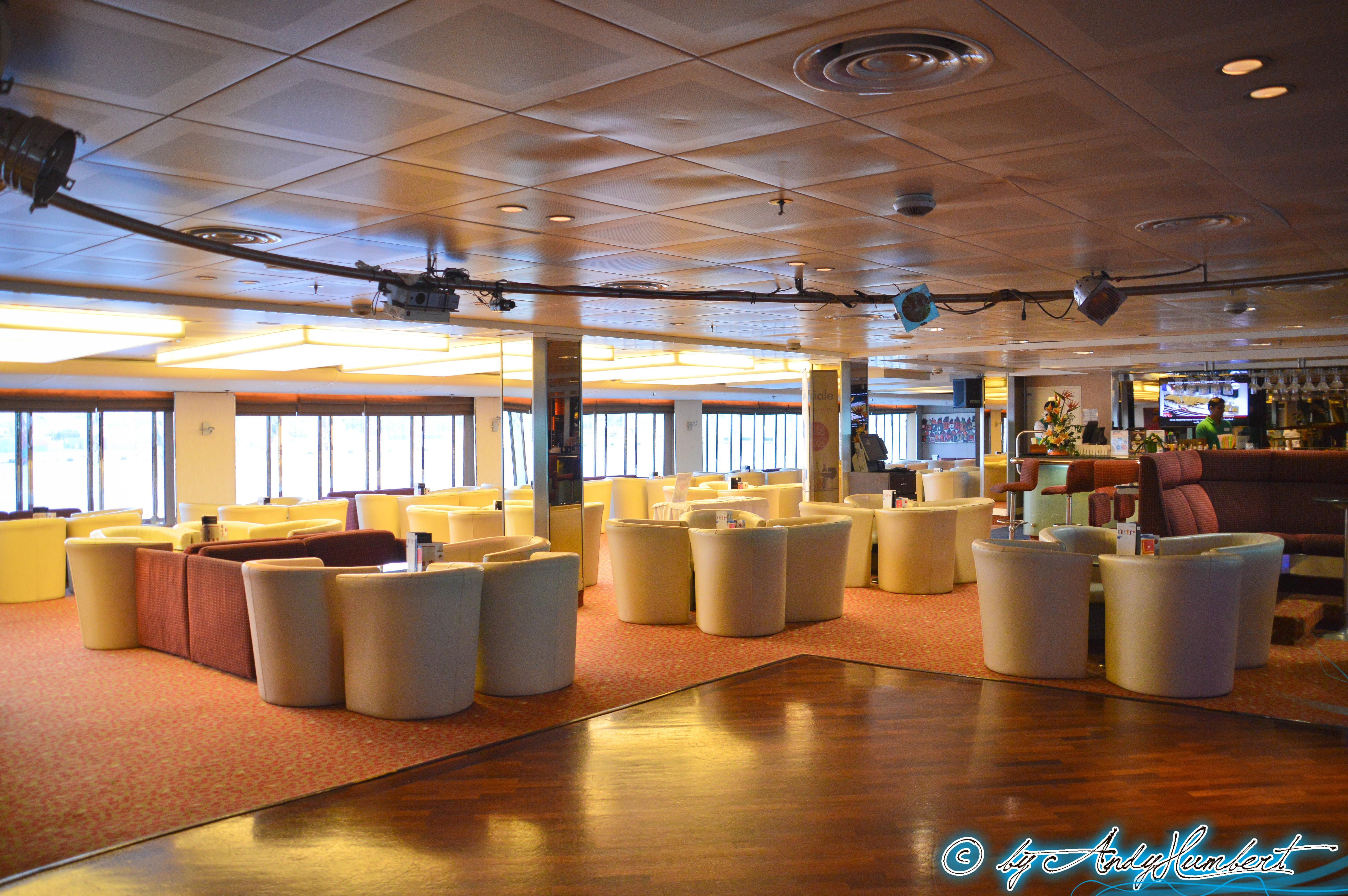 Reflections Lounge & Bar (pont 8)