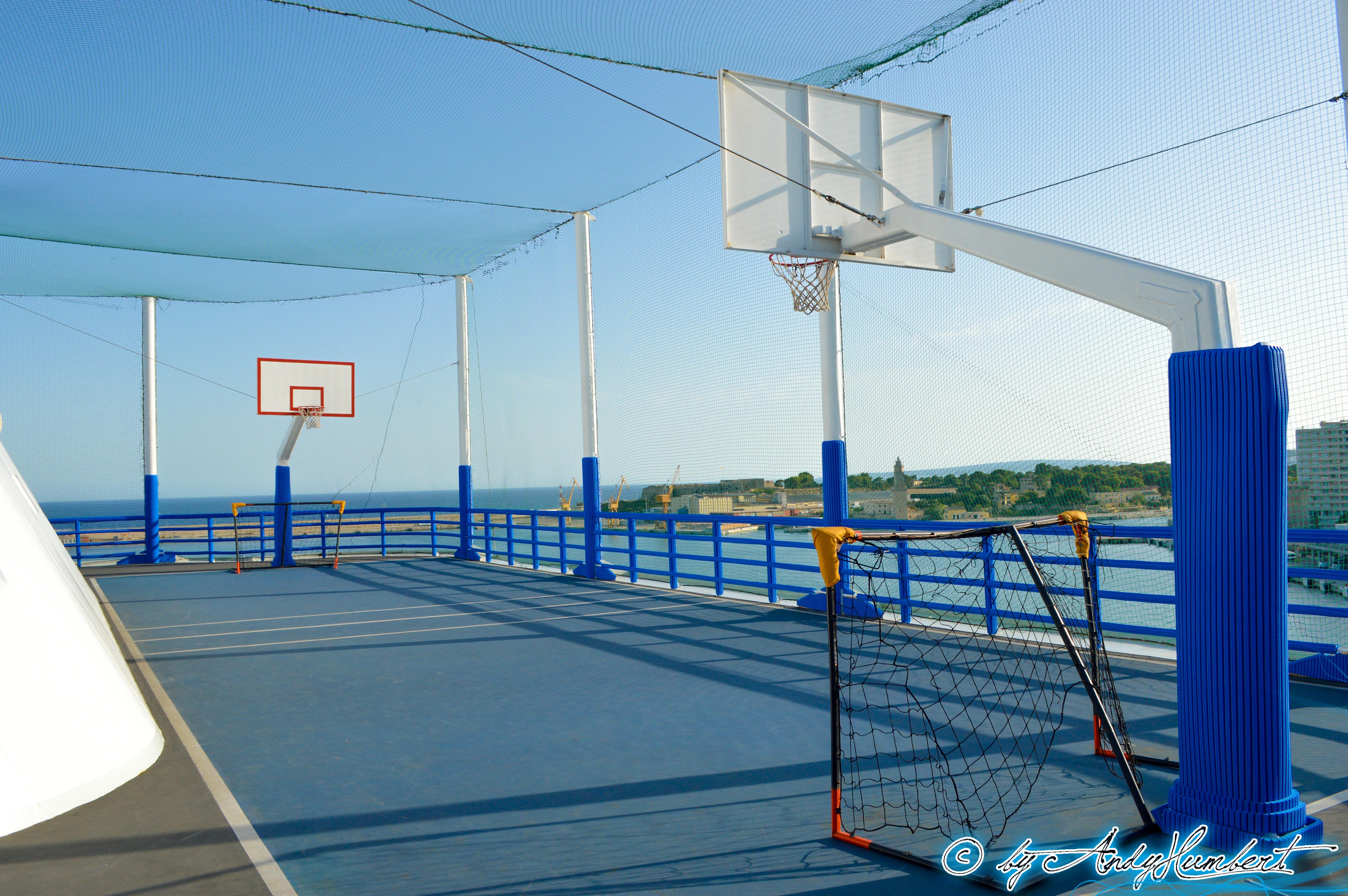 Terrains de sports (pont 14)