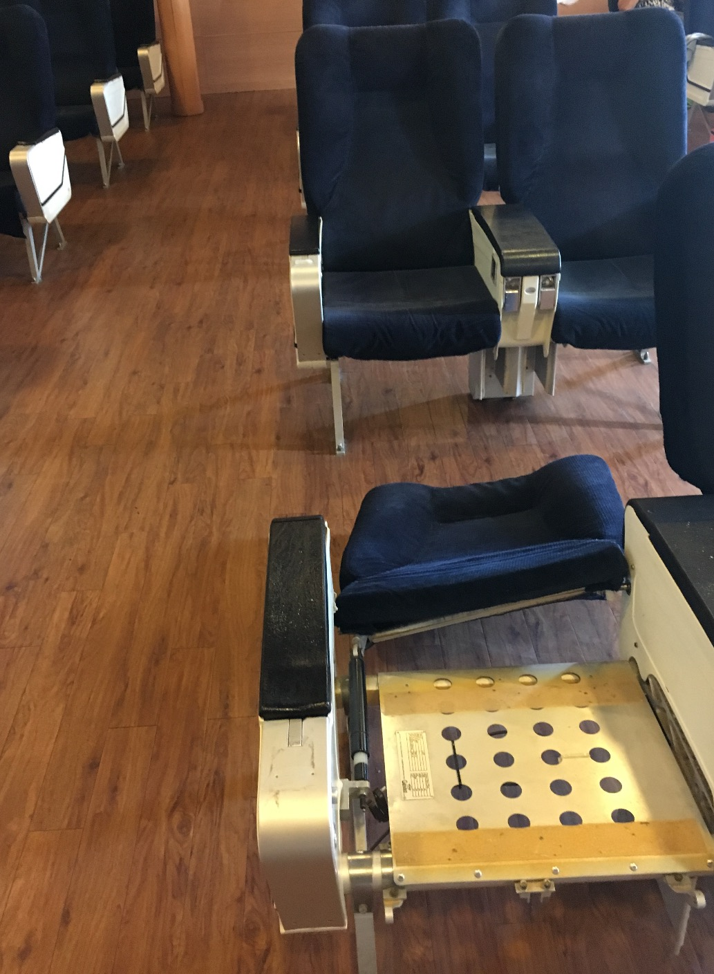 Salon fauteuils (pont 8)