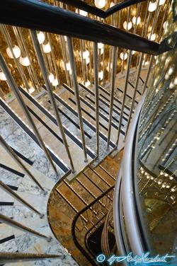 Escaliers internes au centre (pont14)