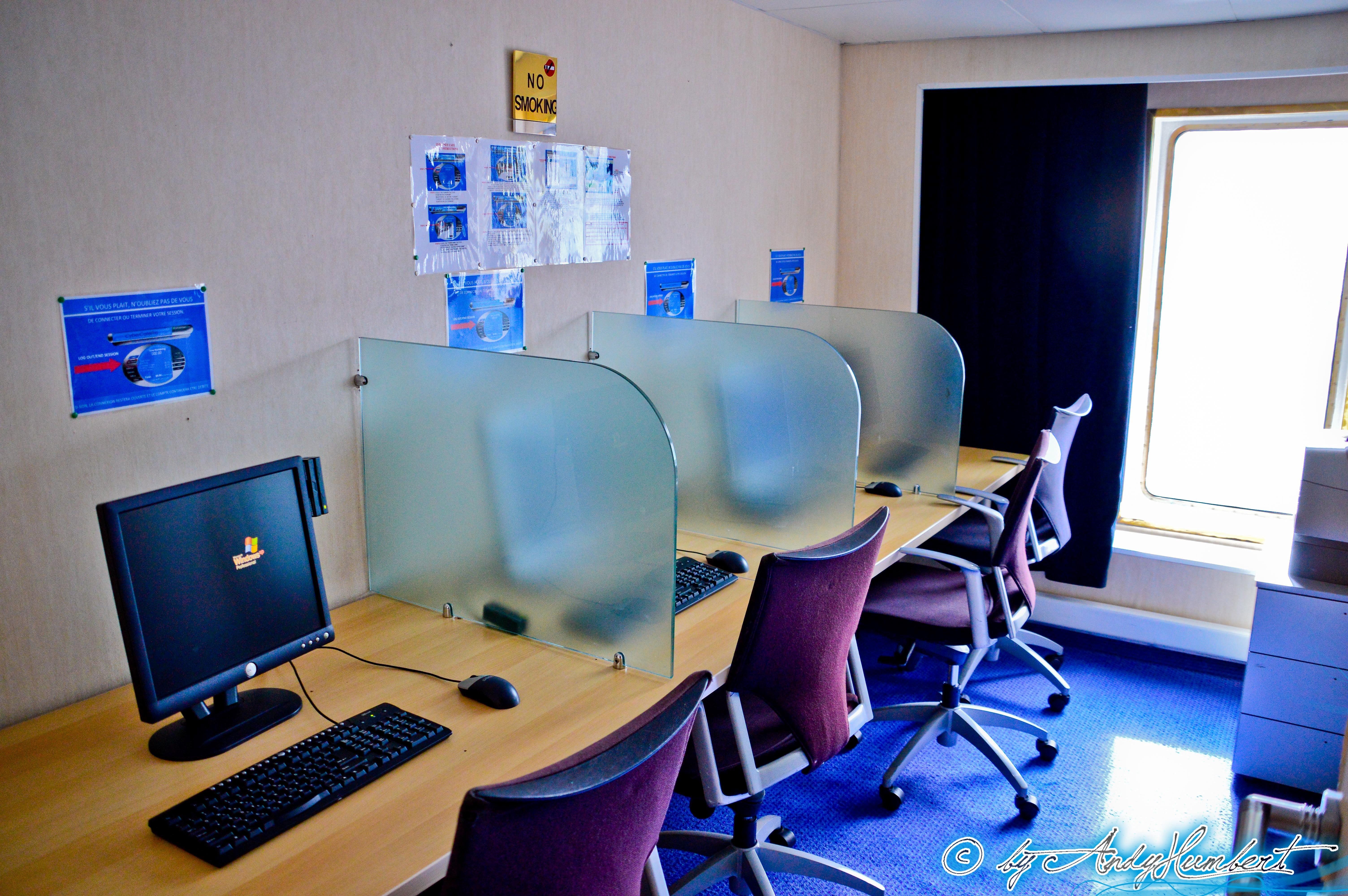 Espace Internet (pont 8)