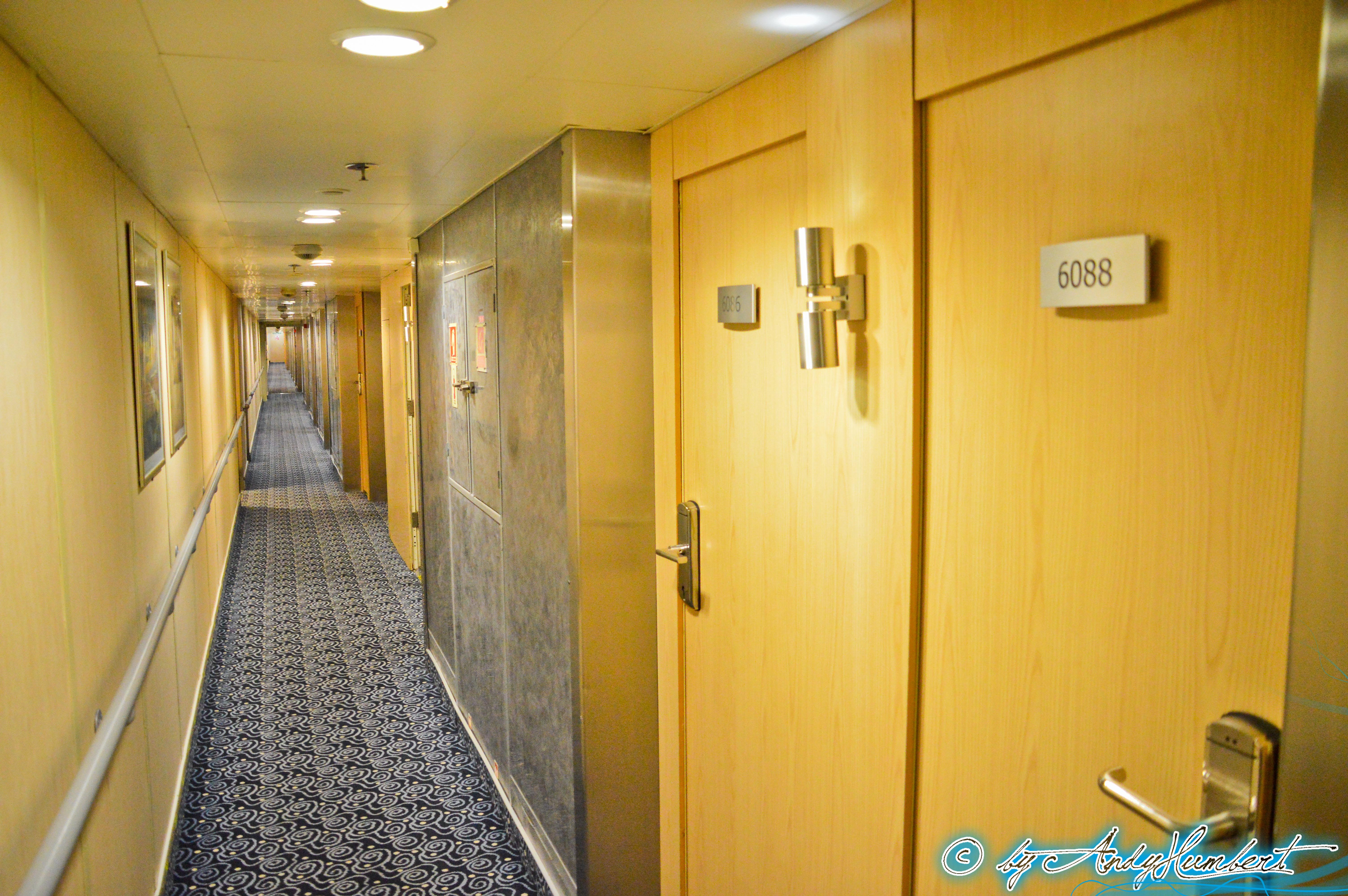 Coursive cabines (pont 6)