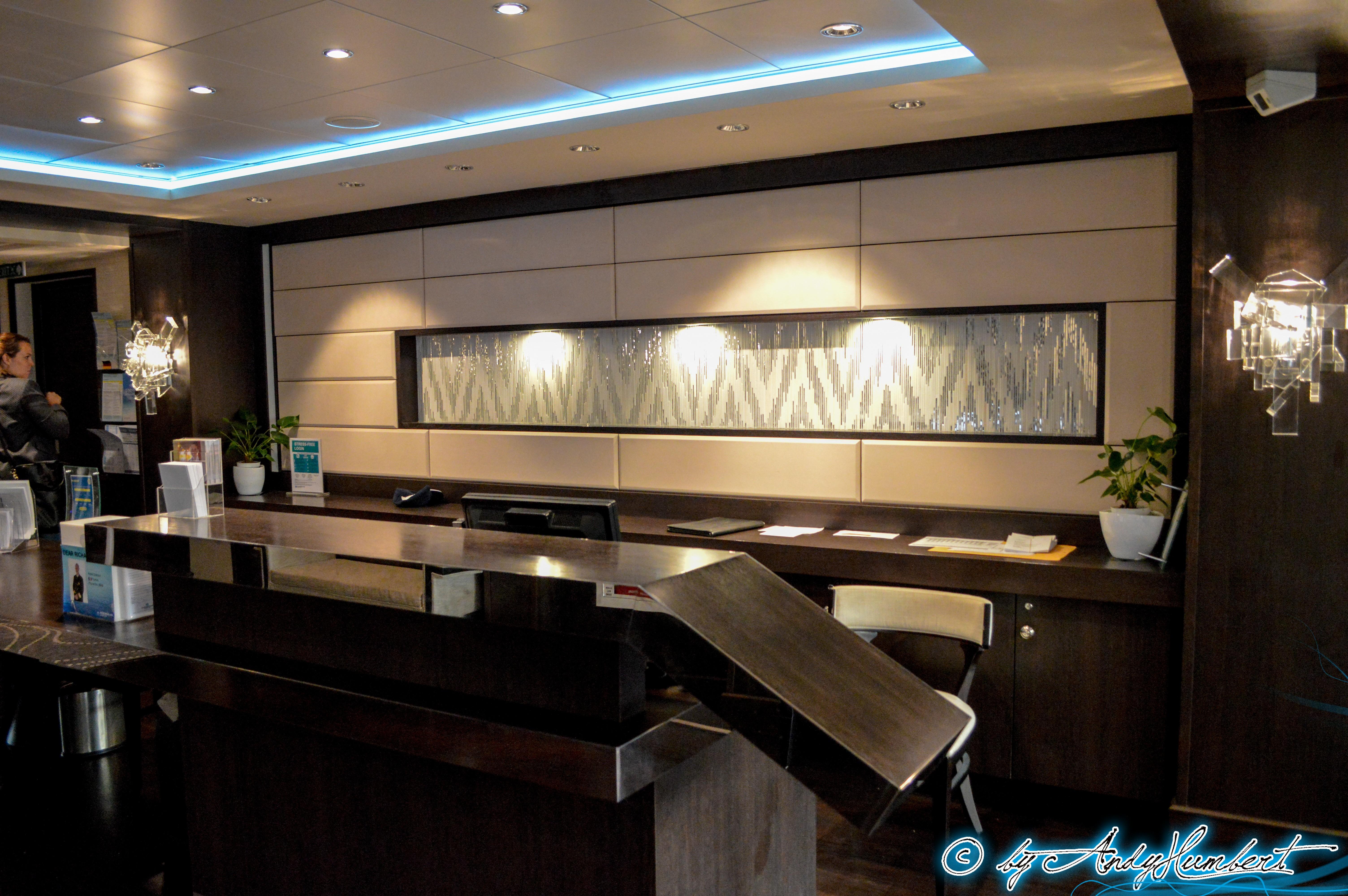 Concierge Lounge (pont 16)