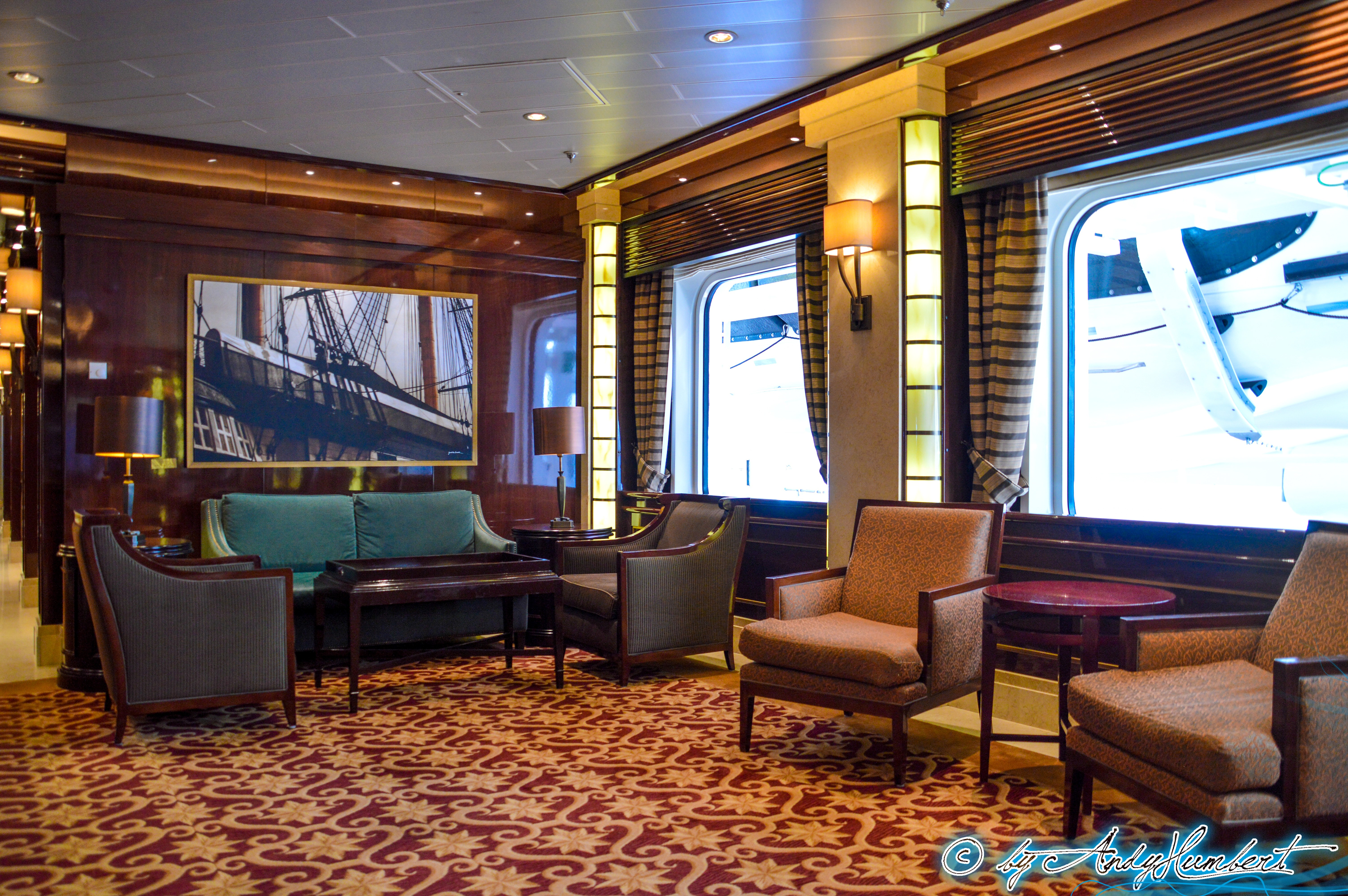 Wheelhouse Bar (pont 7)