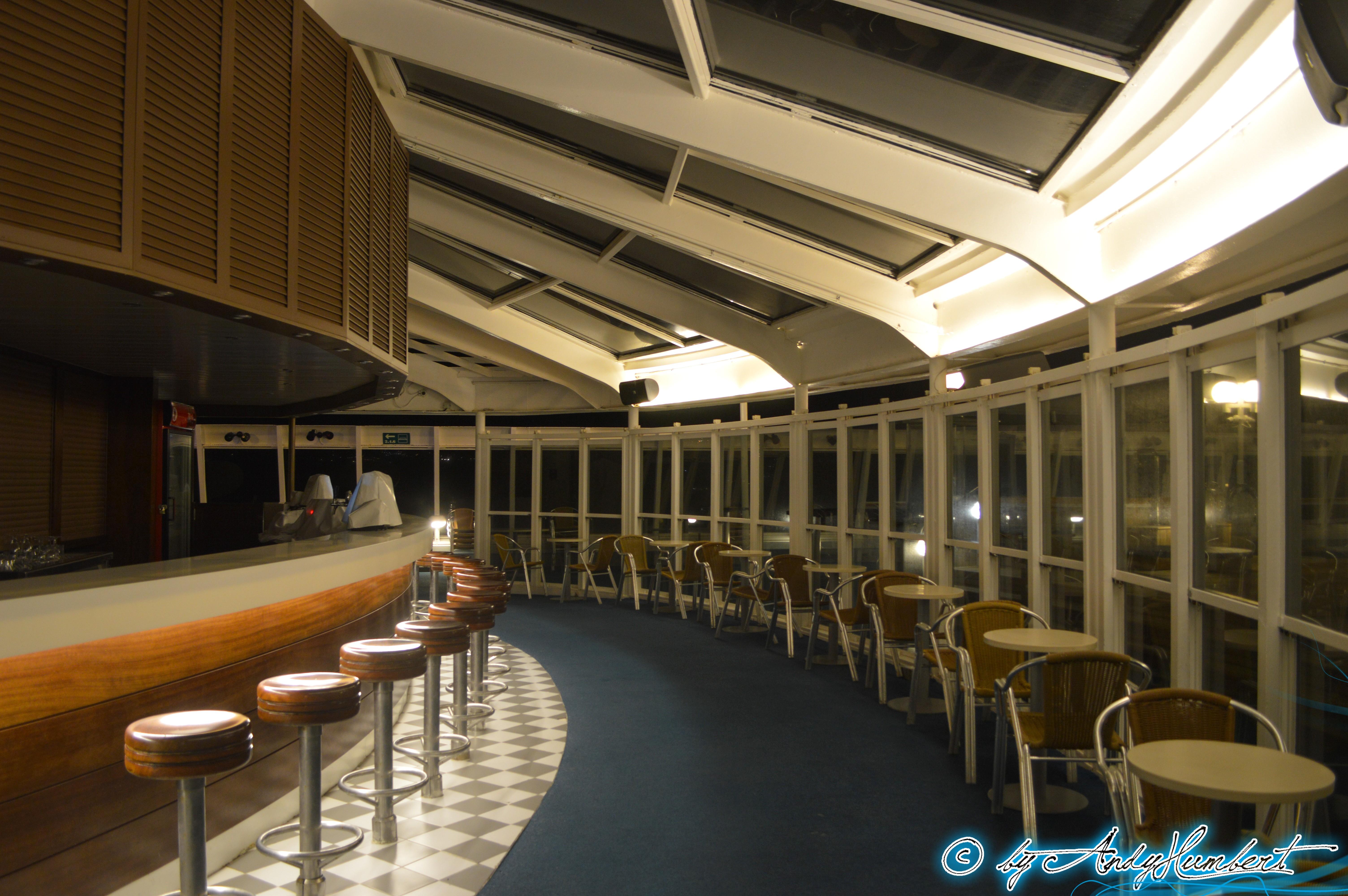 Helios Bar (pont 8 Ouranos)