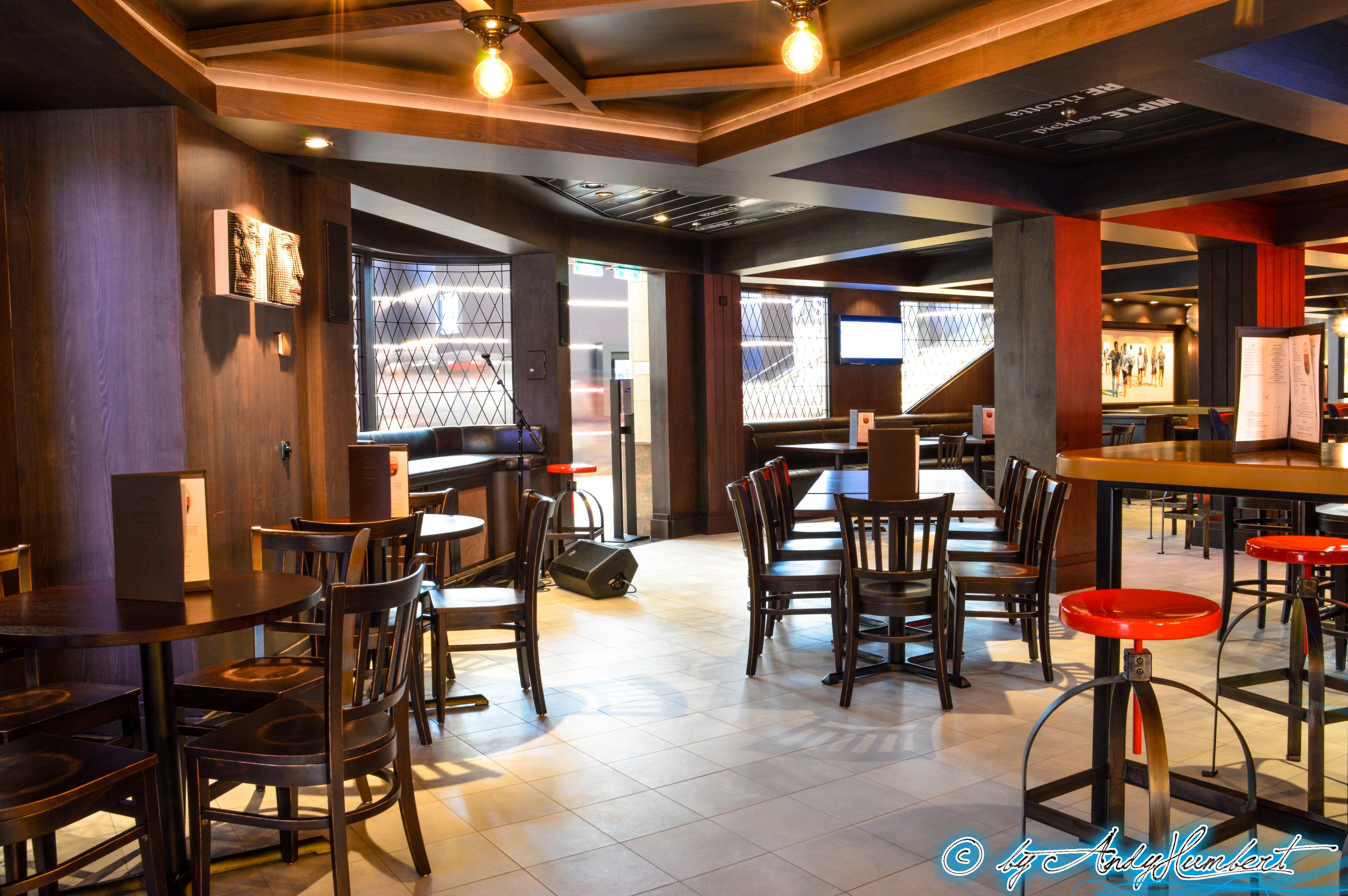 Michael's Guenuine Pub (pont 4)