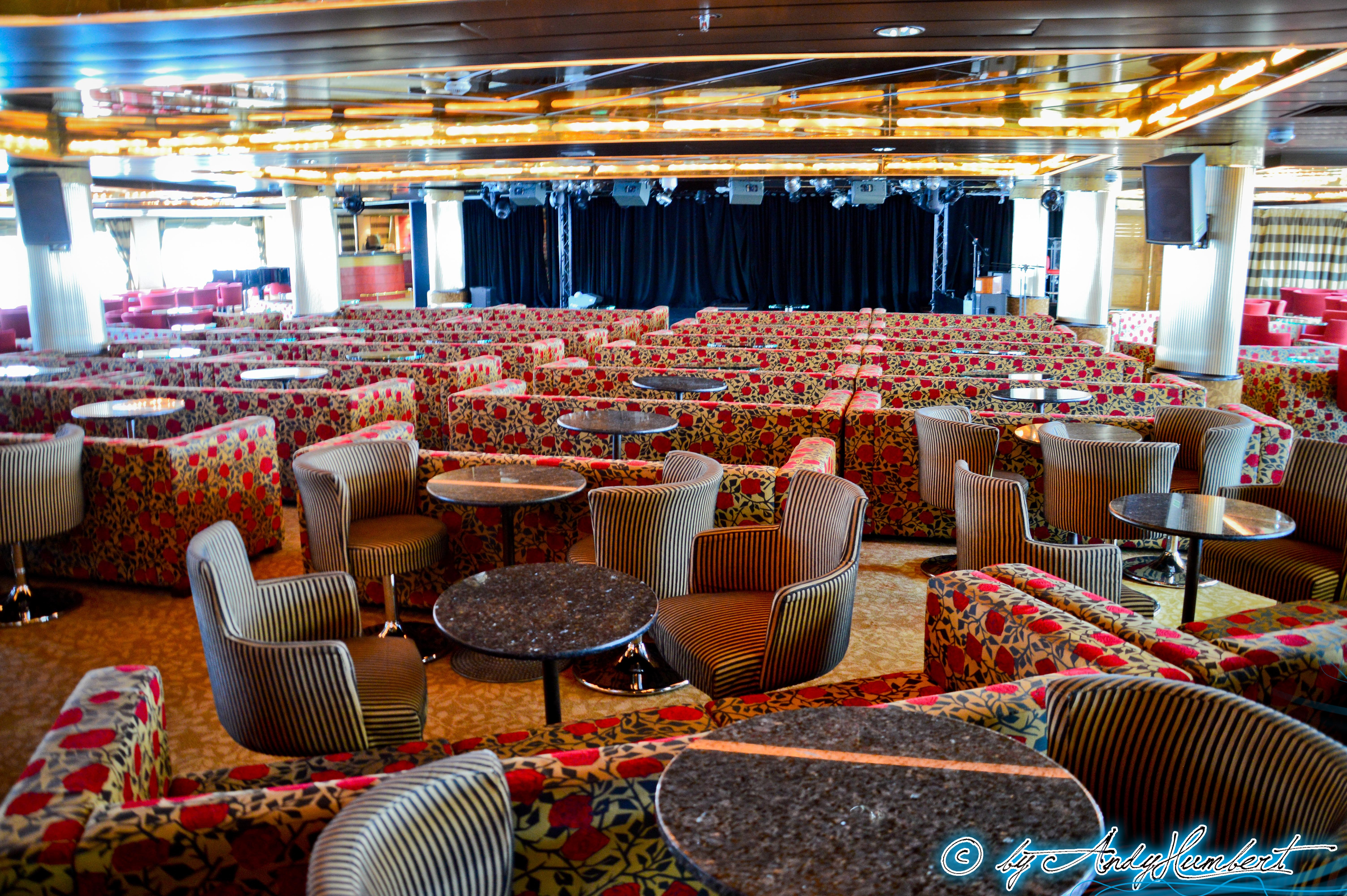 Stars Show Lounge (pont 8)