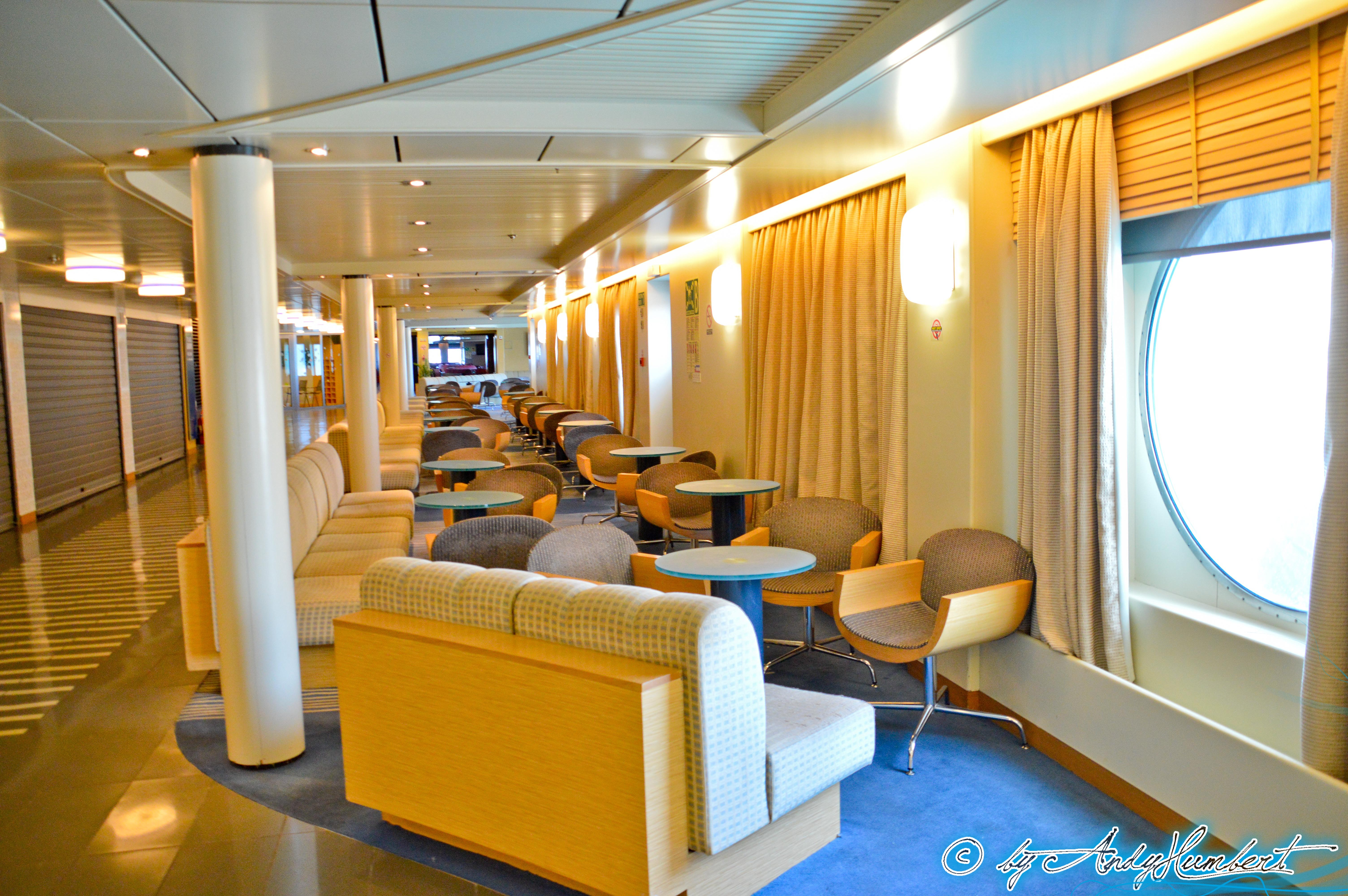 Waves Lounge (pont 7)