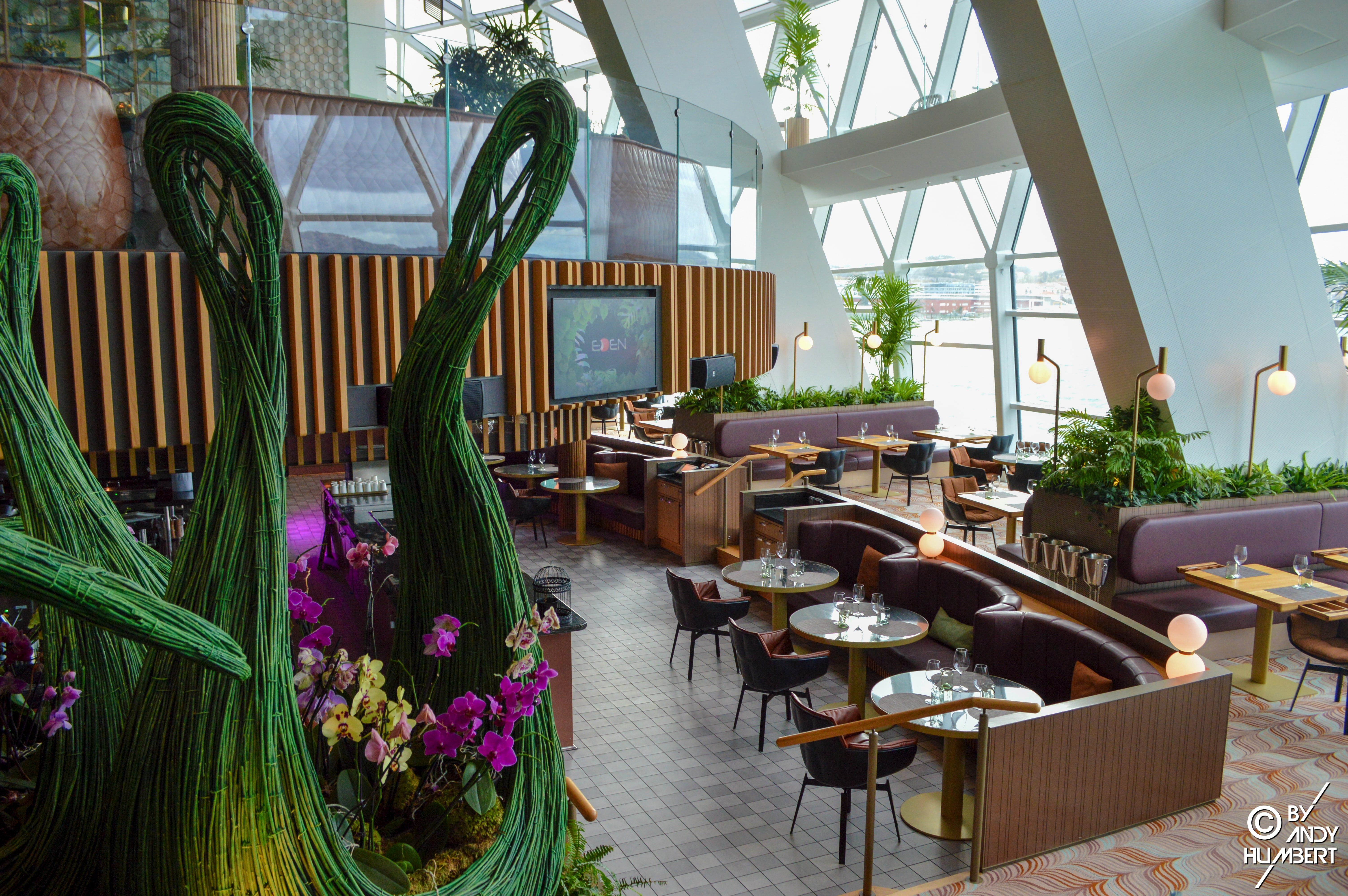 EDEN Restaurant (pont 4)