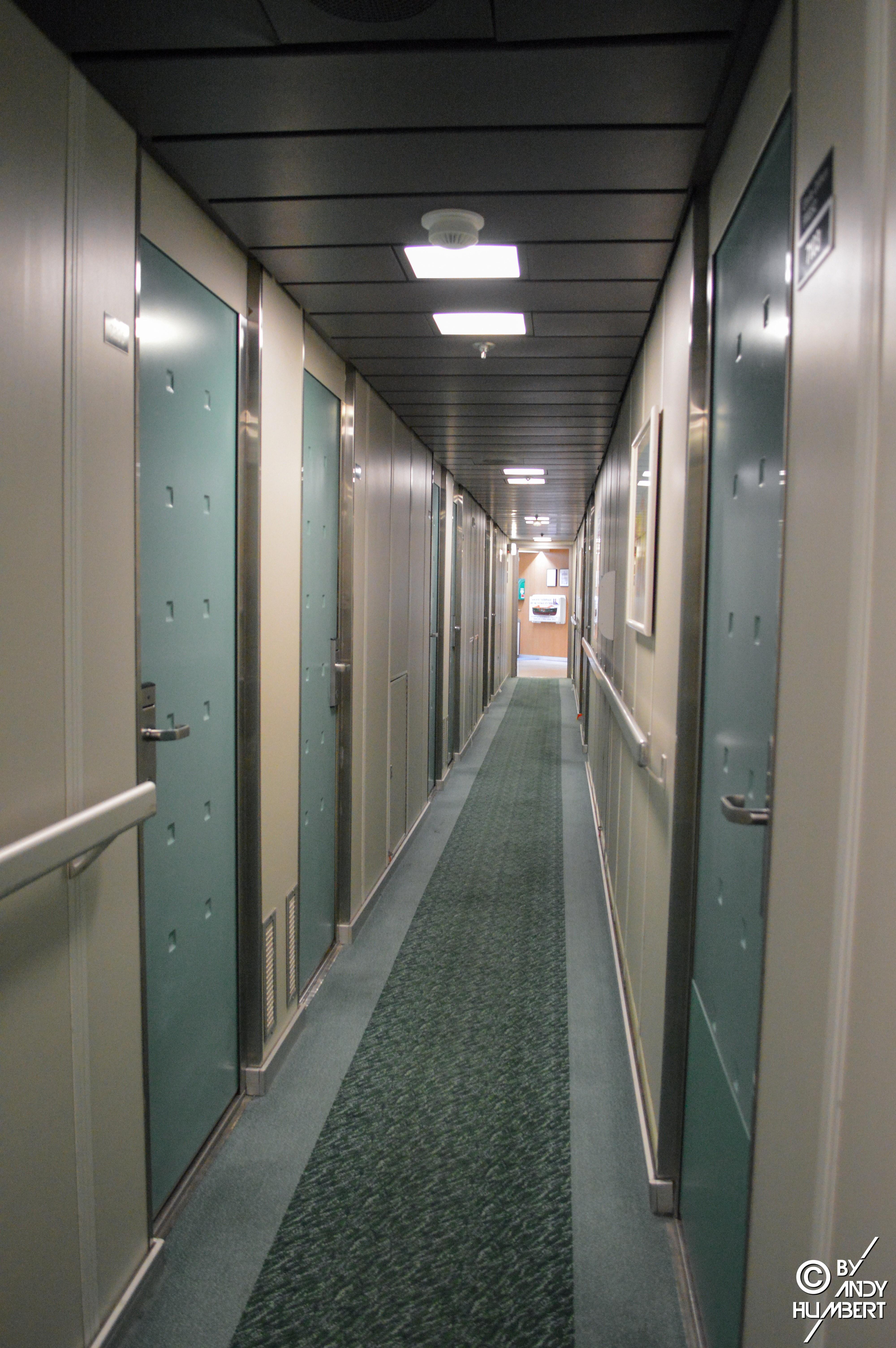 Coursives des cabines (pont 7)
