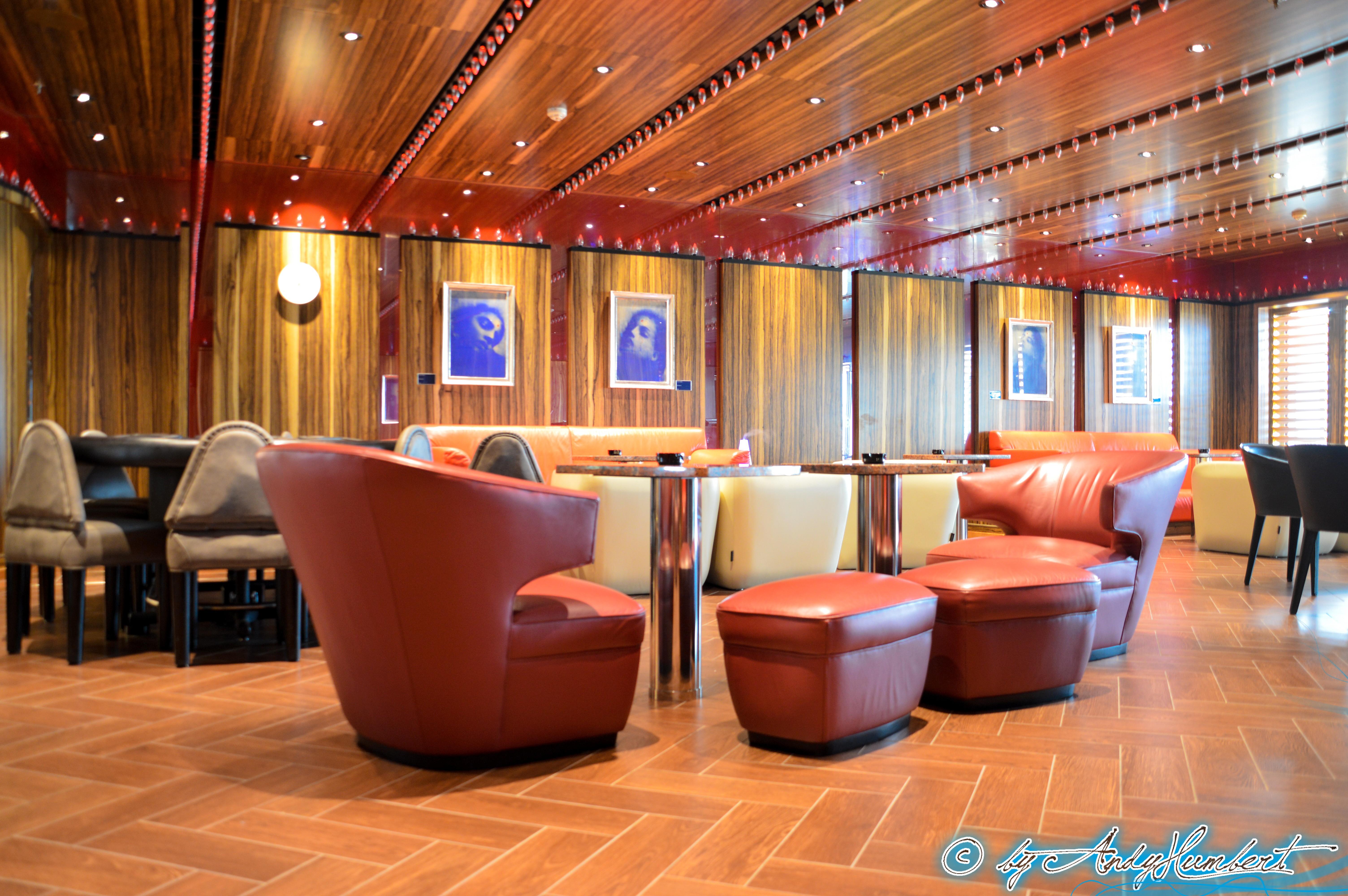 Cigar Lounge (pont 5)
