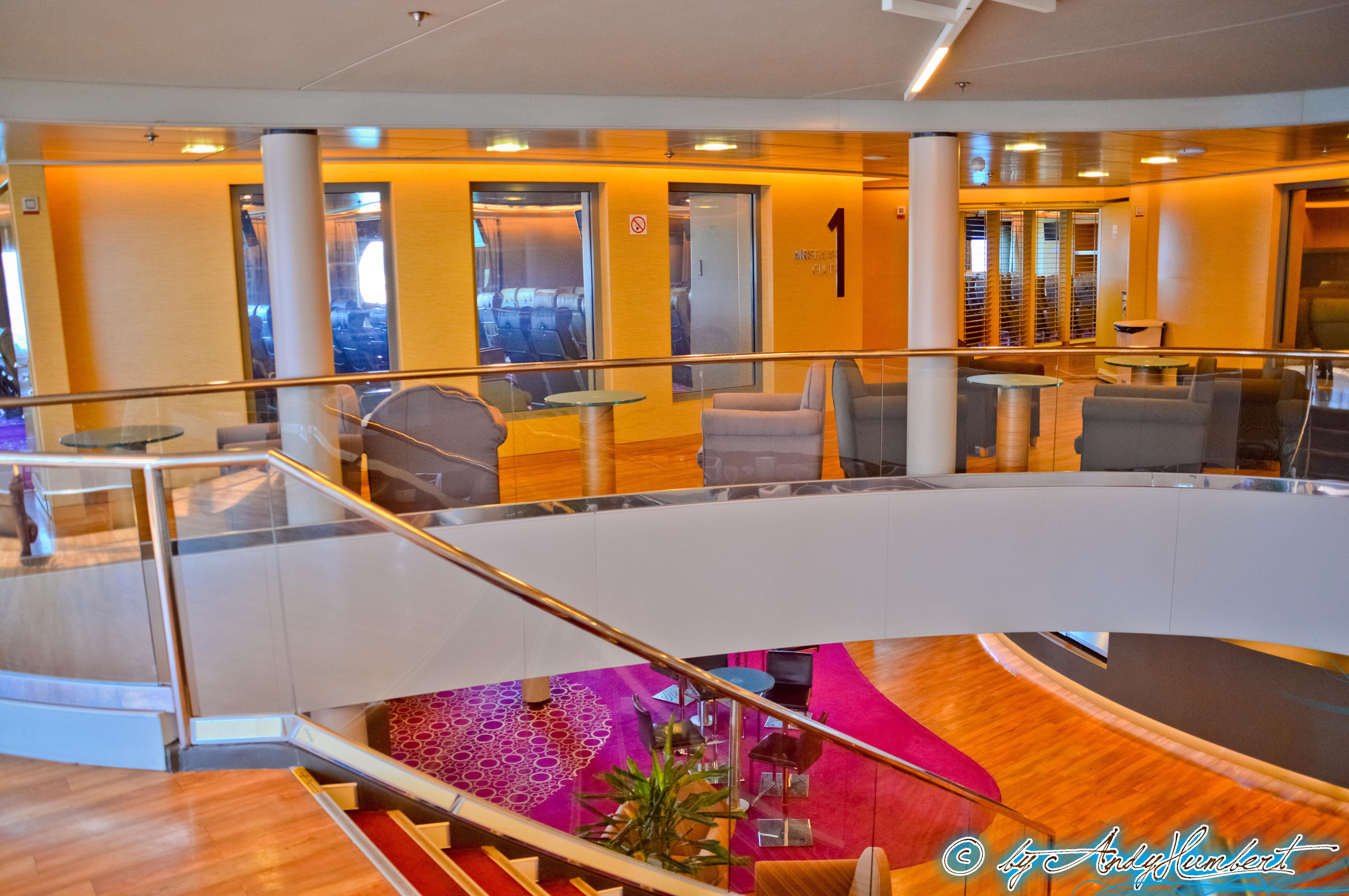 Thalassa Lounge (pont 8 arrière)