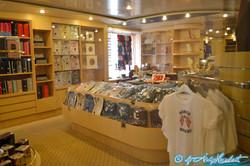 Galerie marchande (pont 4B Calypso)