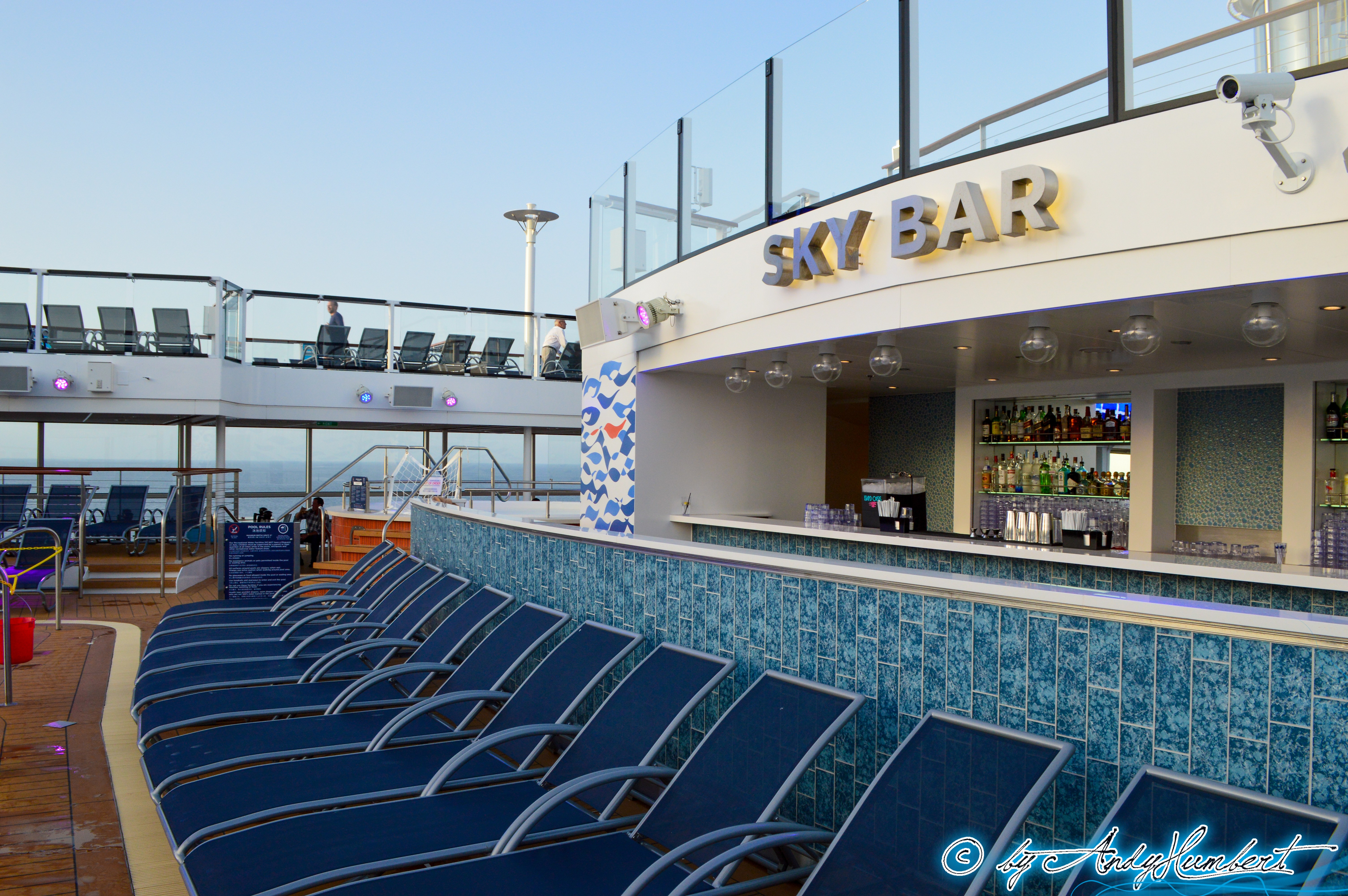 Sky Bar (pont 14)