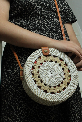 White%20woven%20round%20bag_edited.png