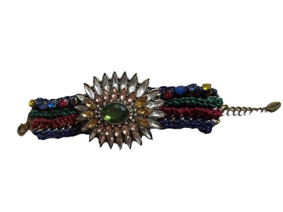 Bracelet de marque ZARA.