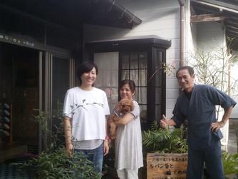 散歩、一緒にいいですか?行ってきま~す。〇みちゃん、ありがとう!次の日(7月8日)にチョコの両親と一歳上の姉さんが訪ねてきた。