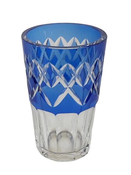 Vase val st-Lambert bleu signé.