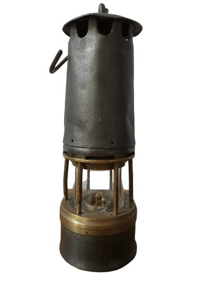 Ancienne lampe de mineur val st-Lambert.