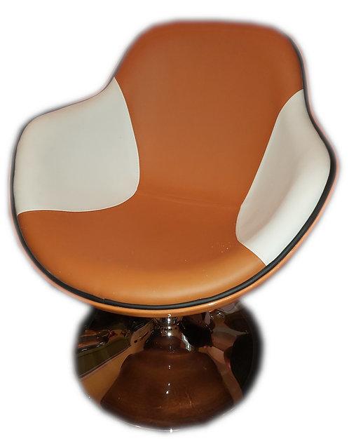 Fauteuil vintage orange et blanc.