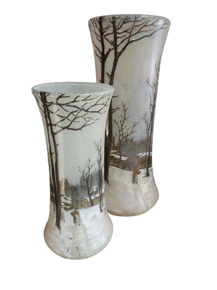 """Deux vases """"Jem"""" en verre à décor émaillé."""