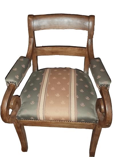 Petite chaise.