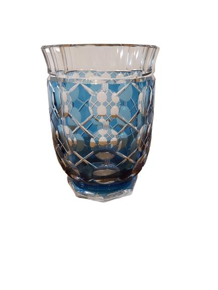 1 vase val st-Lambert doublé taillé bleu.