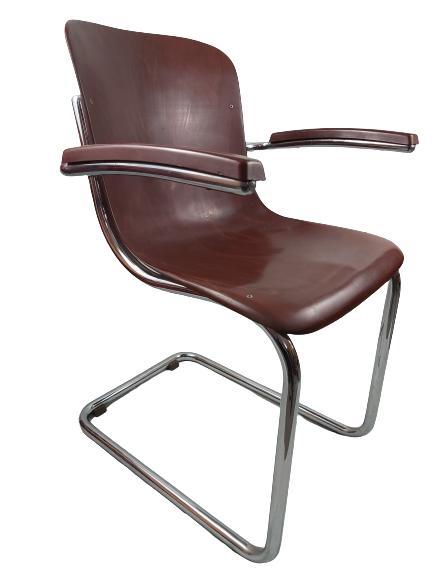 Chaise vintage Manubelle.