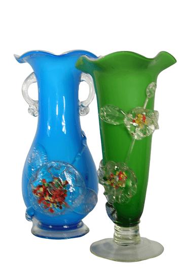 Paire de petits vases.