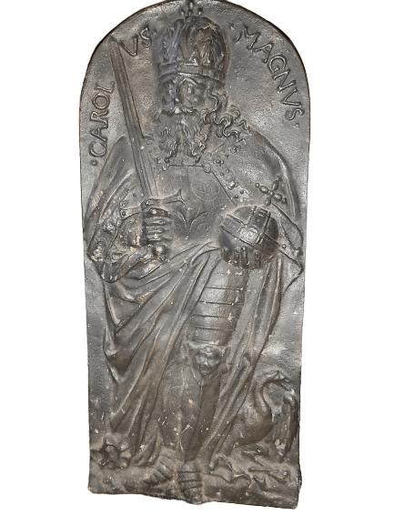 Plaque en fonte représentant Charlemagne.
