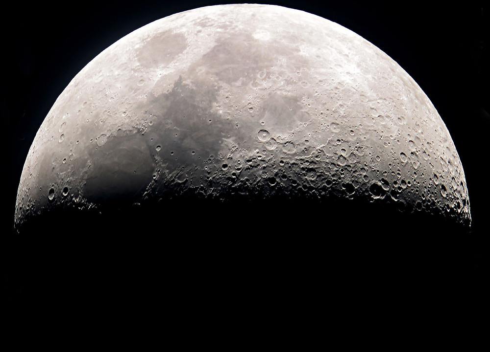 """Foto della Luna - Photo by <a href=""""/photographer/Alakart-48486"""">Sandor Pinter</a> from <a href=""""https://freeimages.com/"""">FreeImages</a>"""