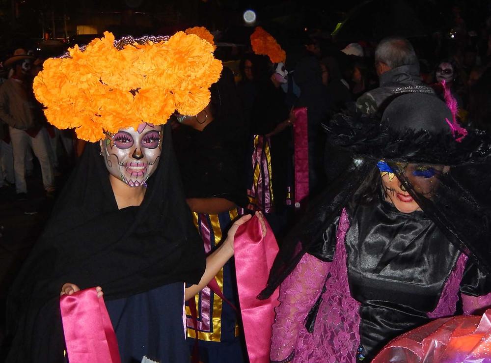 Parata catrinas a Città del Messico, nel 2019.