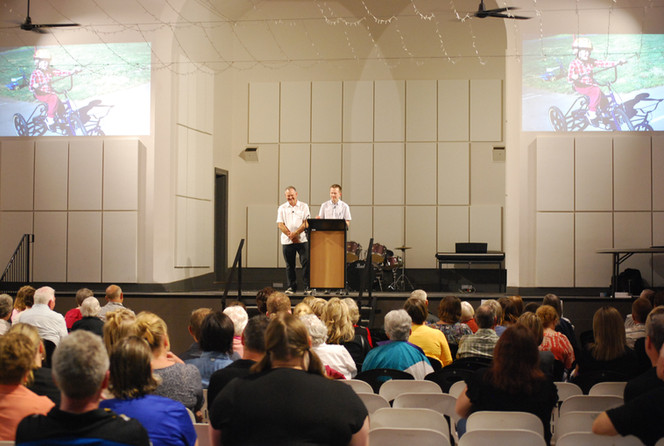 Daryl and Daniel presenting to a crowd at our inaugural From Diagnosis to O.A.M. seminar, Bendigo, Victoria