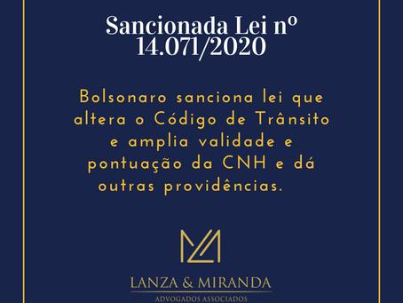 Bolsonaro sanciona lei que altera regras de pontuação e validade da CNH