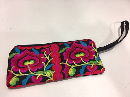 Embroidered cotton slim bag with two flower patterns