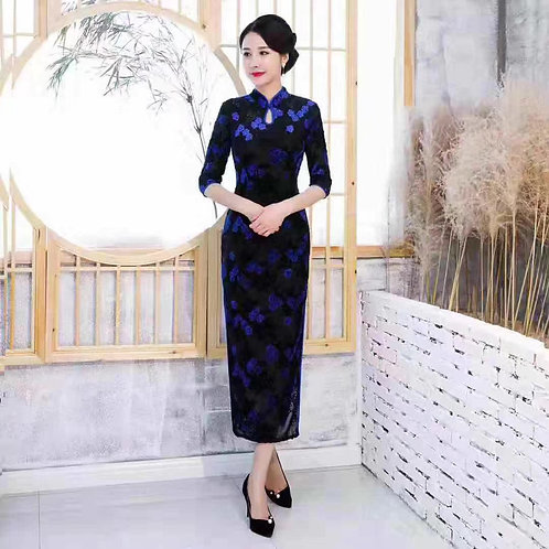 QiPao Dresses with flower outlines, keyhole neckline