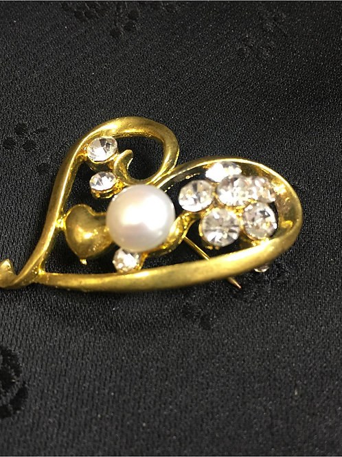 Goldplated Brooch with heart and natural saltwater pearl