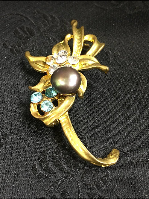 Goldplated Brooch, entwined natural saltwater pearl