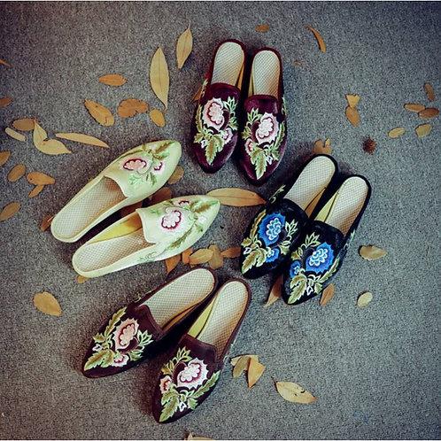 Silk and velvet slippers, thistle motif, non-slip