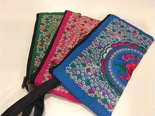 Embroidered cotton bags adorned with small flowers and large motif - various